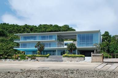 LIGHTHOUSE BEACH RESIDENCE (TH)